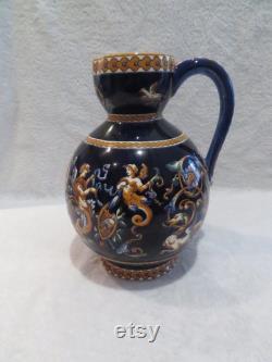 Gien's faience cider pitcher (Gien cachet 1971) Renaissance décor on a blue background (Gien pottery cider pitcher)